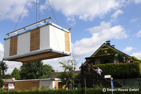 Positioning a SmartHouse by Crane